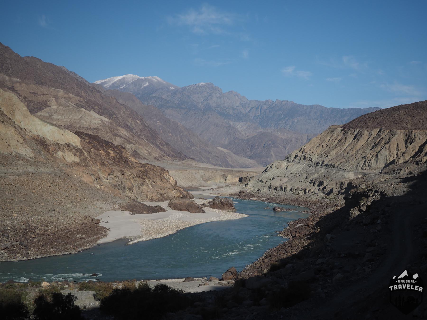 Karakoram Highway roadtrip on the Pakistan side