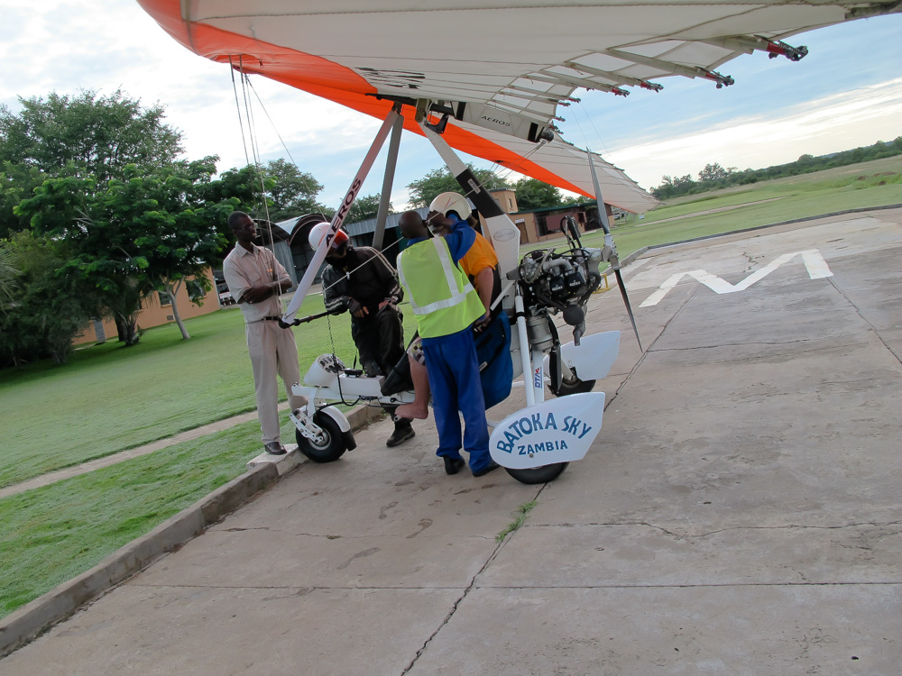 Final safety preparations before taking off for microflight