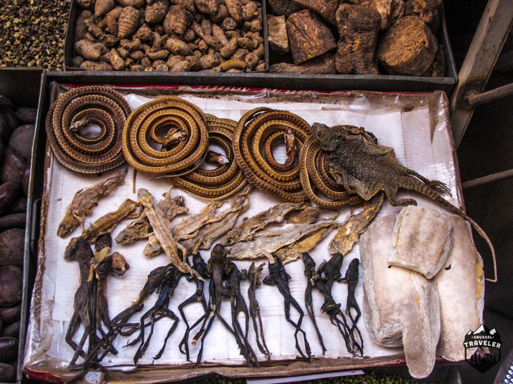 kasghar,kashi,sunday market.