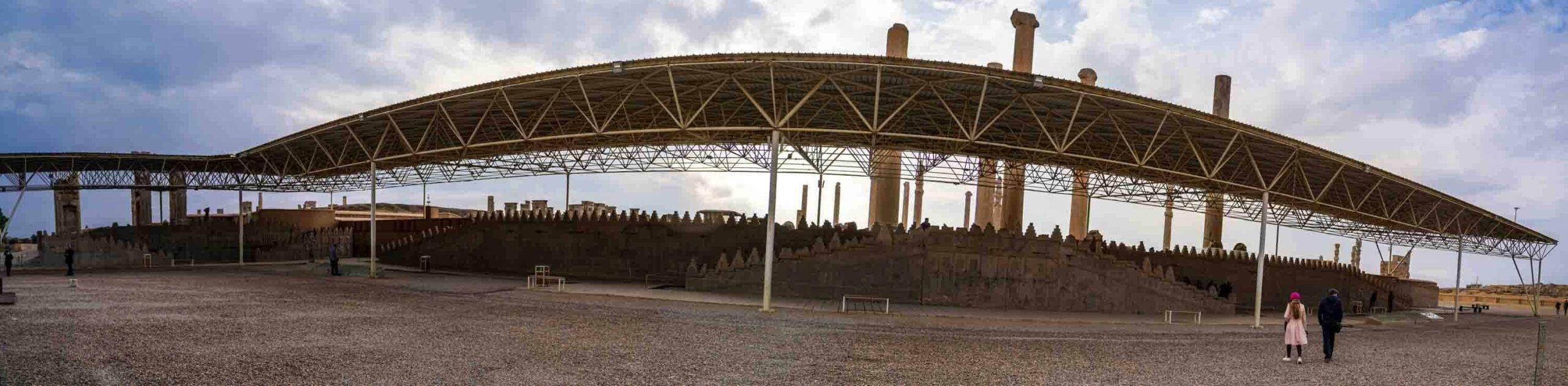 Персеполис Персеполис, центр великой Персидской империи. DSC06018 Pano 3 scaled