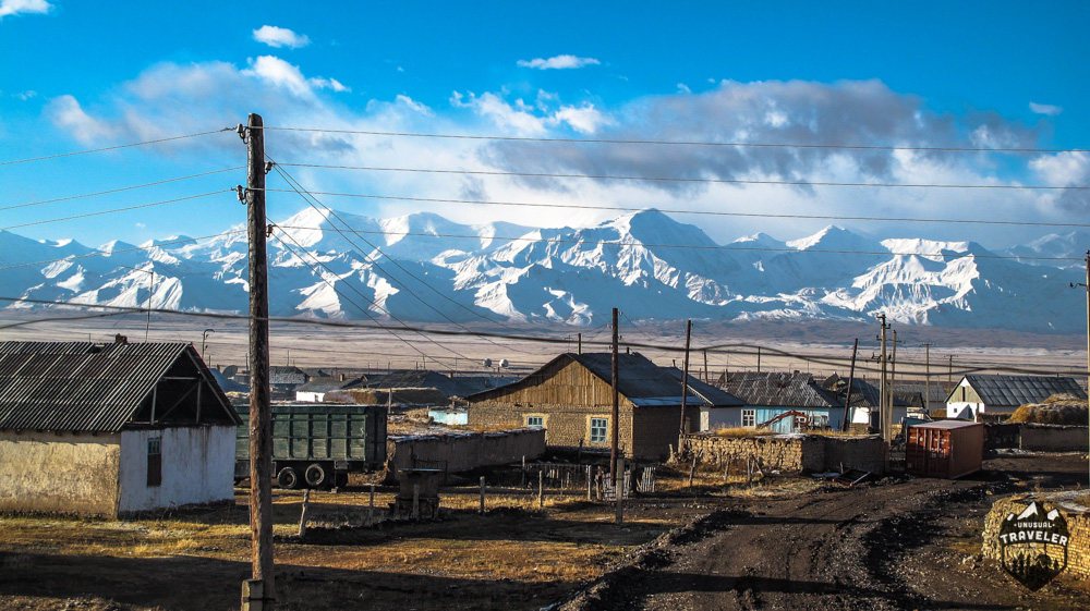 The major crossroad Sary Tash, probaly the village with the best view in the world? The Pamir Highway is just in the back.