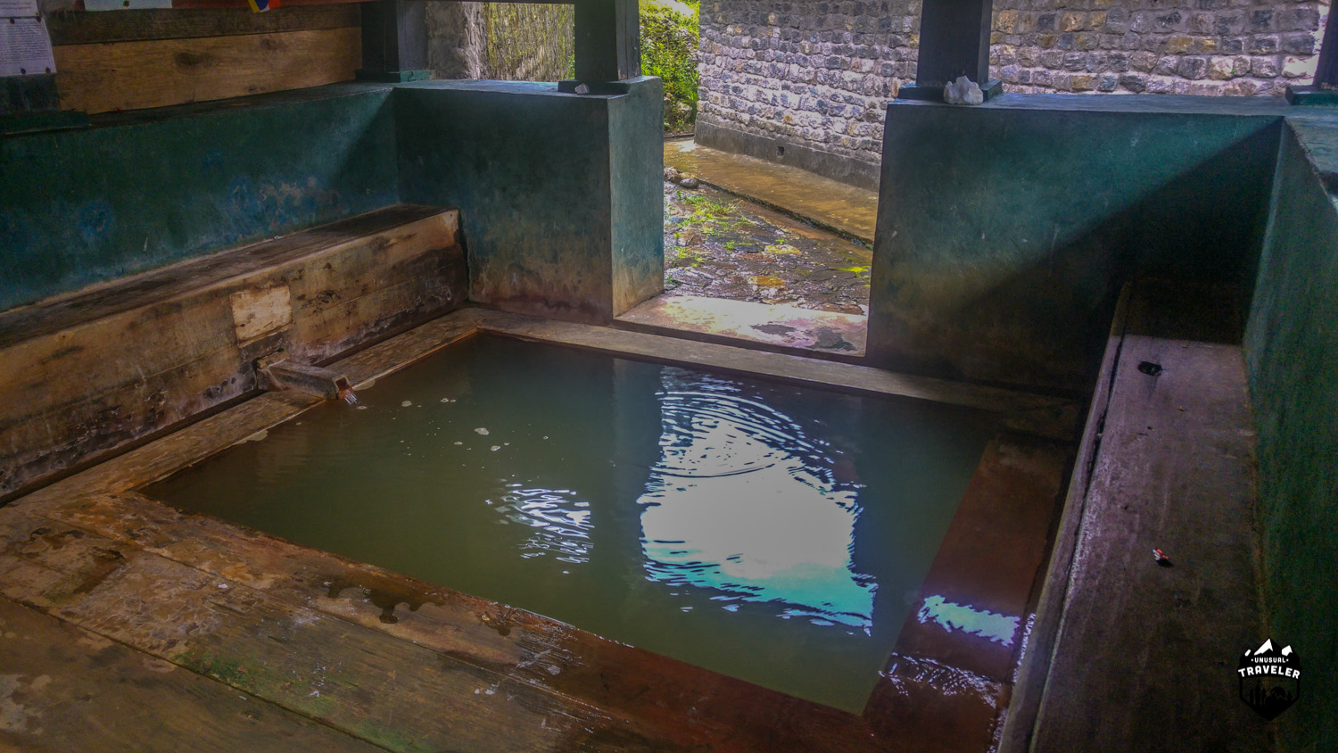 The hot spring pool, it´s a lot cleaner in reality then it shows on the photo.