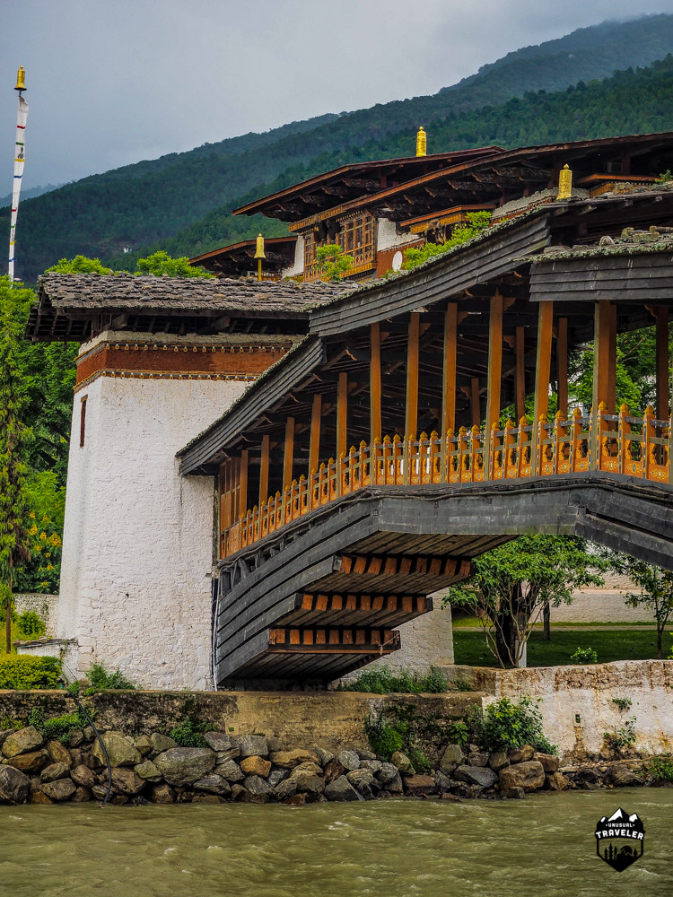 The Bazam bridge you have to cross to enter the Punakha Dzong.