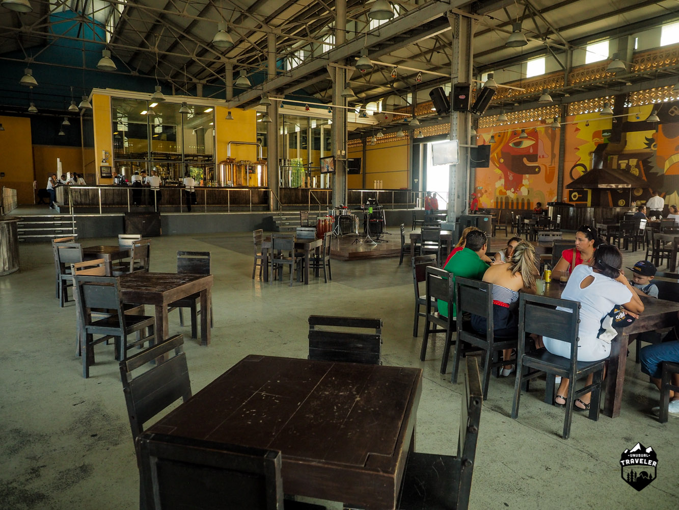Inside Cerveceria Antiguo Almacen de la Madera y El Tabaco, alot of space. they put out more tabels and chairs when there´s need for it