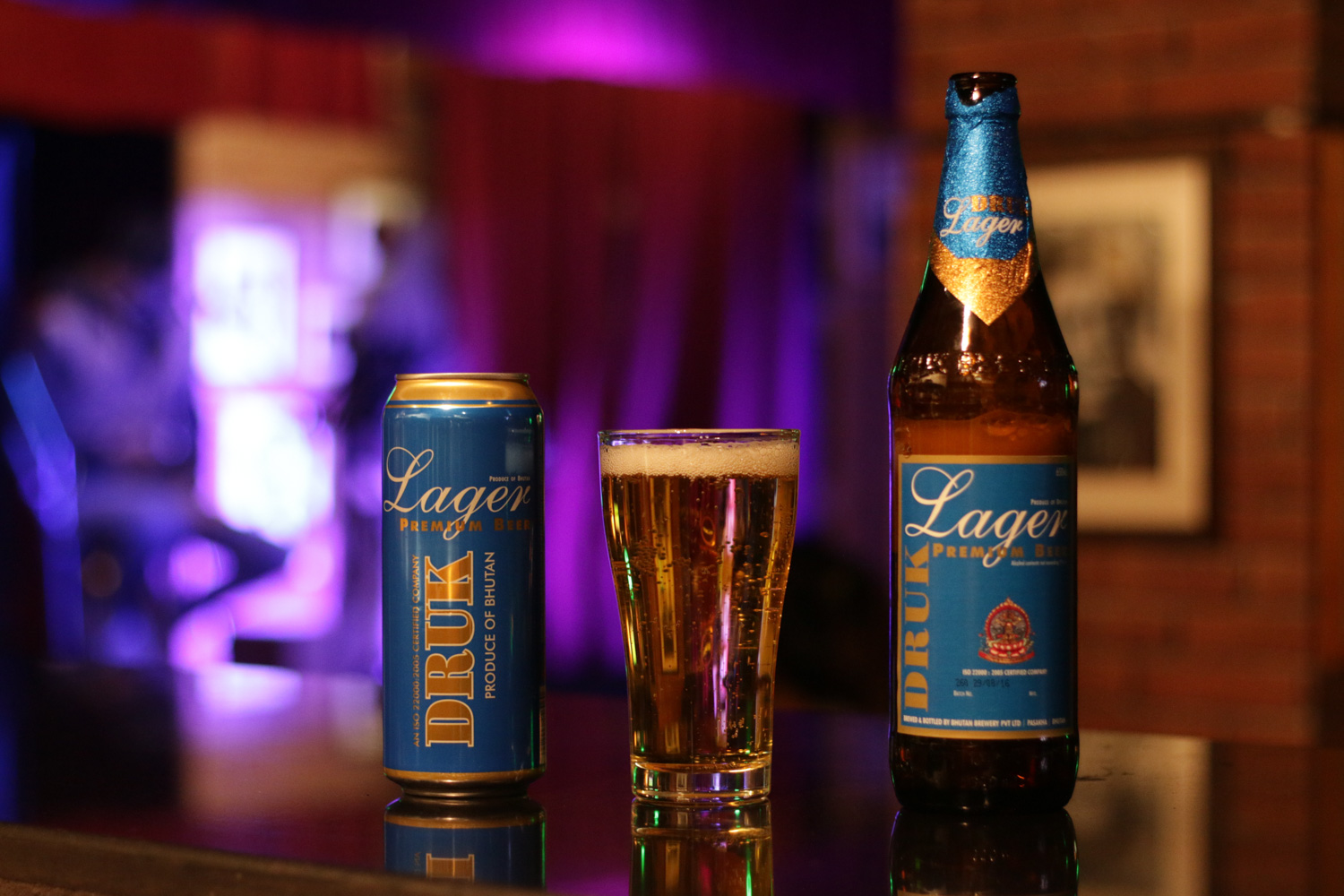 Druk Lager Premium comes in bottle and can