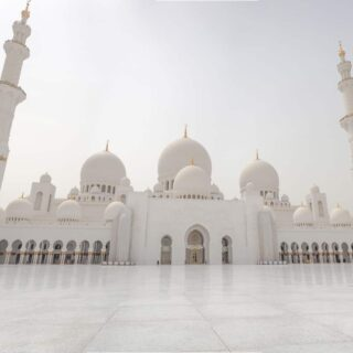 Sheikh Zayed Mosque, the largest mosque in the UAE.