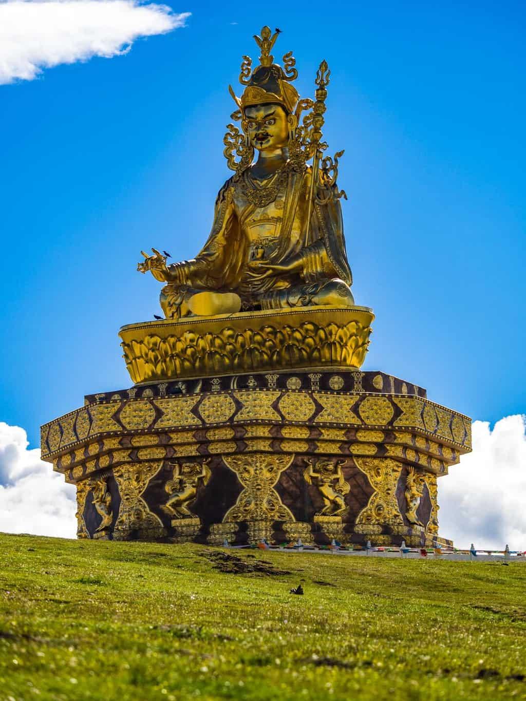 Yarchen Gar Golden Guru Rinpoche statue