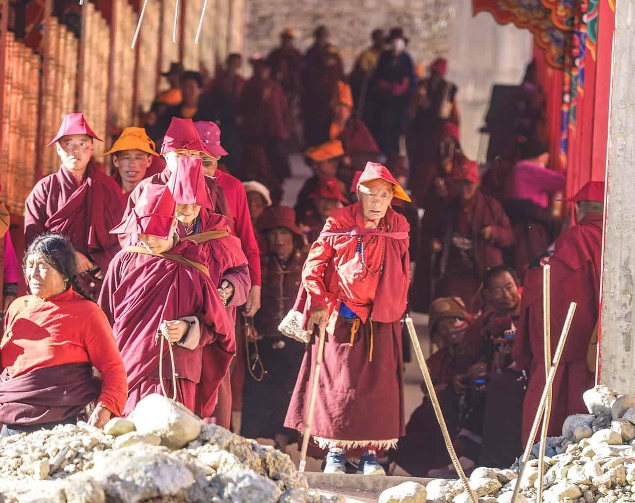 Yarchen Gar nuns