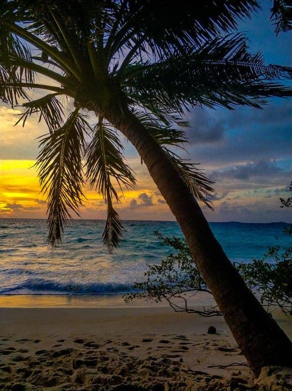Dhigurah sunset in the Maldives
