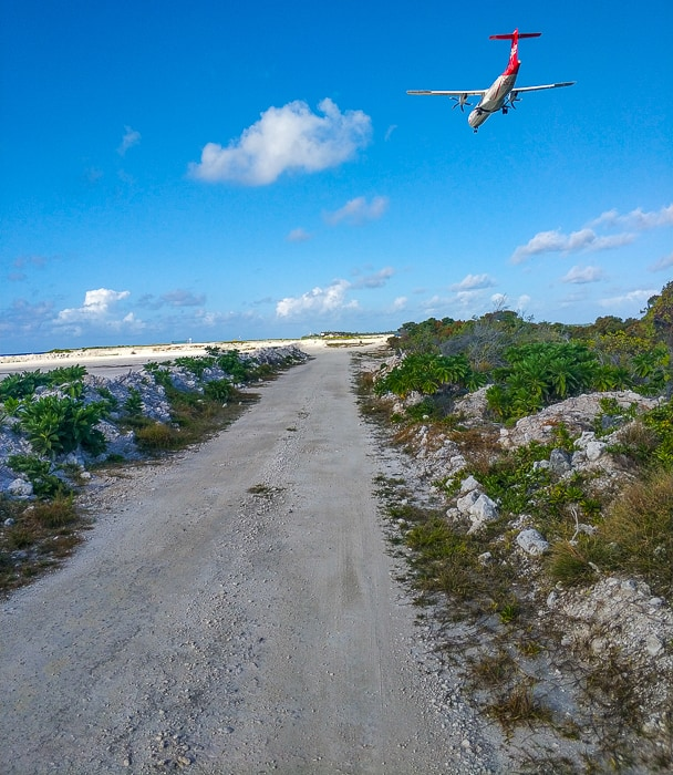 The dirt road to the northern part of the Atoll.