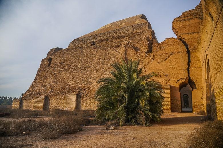 The backside of Taq Kasra Ctesiphon in iRAQ