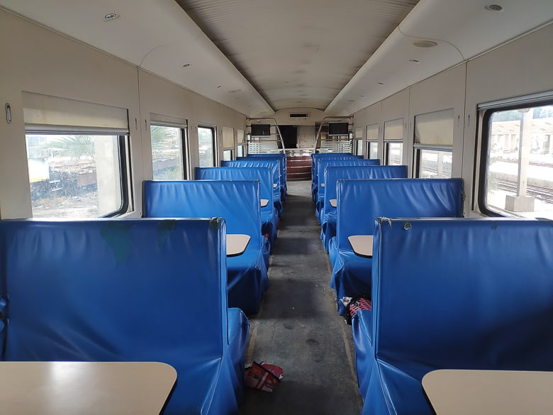 The cafeteria carriage in Iraq train