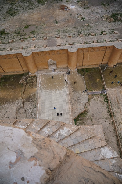 Looking down from the top of the Minaret, no faces on the top stopping you from falling the 52meters down.