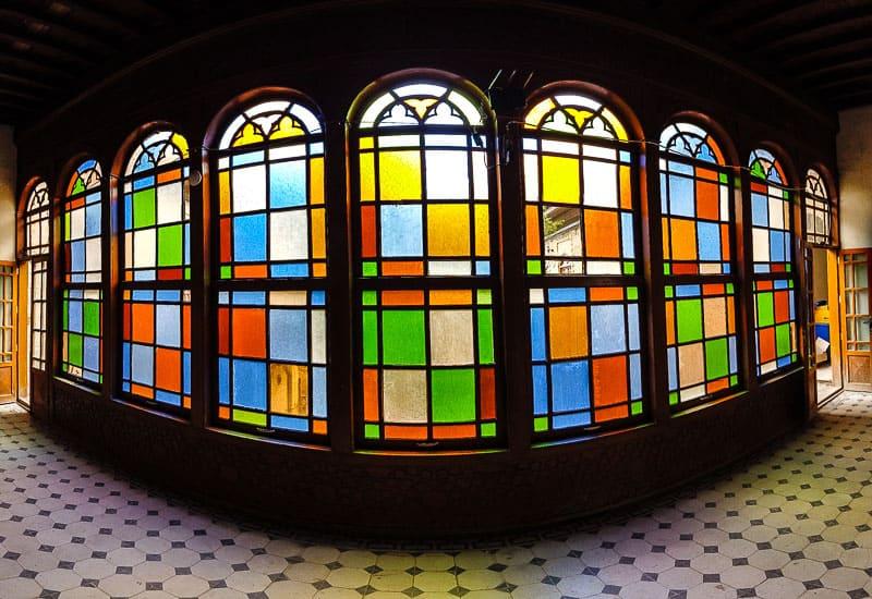 beautiful latticework windows in Iraq