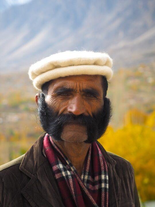 pakistan man hunza valley