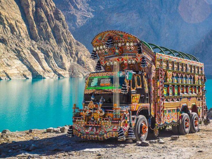 Attabad Lake truk pakistan