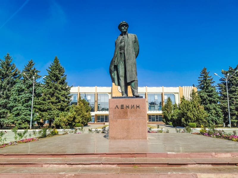 Lenin with a hat in Transnistria
