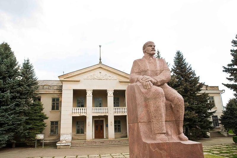 a sitting lenin in Transnistria