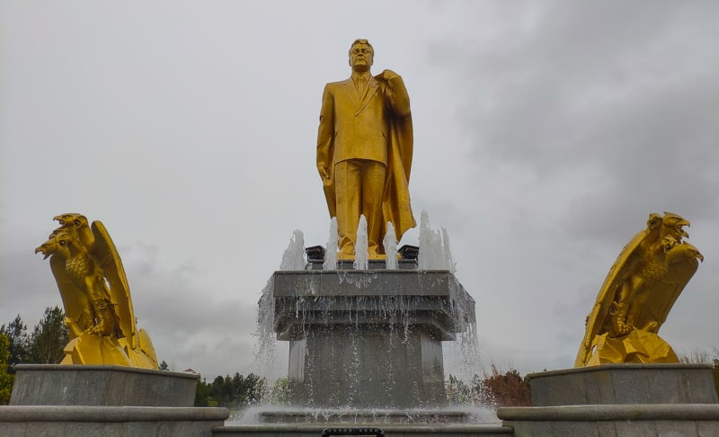 Golden statue of the president in Turkmenistan