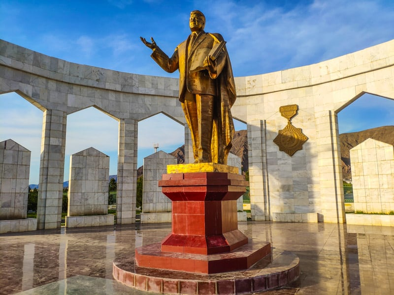 There´s a gold statue of Saparmurat Niyazov the first president of Turkmenistan in about every city. Here from Balkanabat in western Turkmenistan.