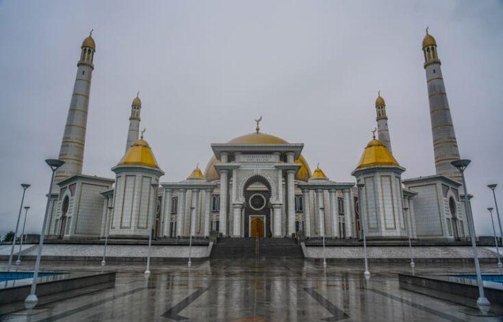 Türkmenbaşy Ruhy Mosque just outside Ashgabat turkmenistan
