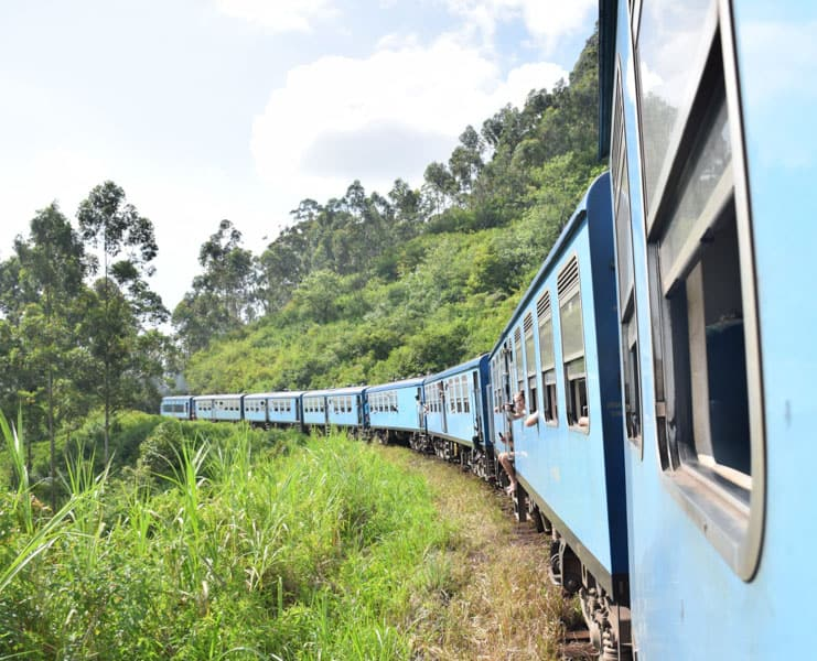Ella train in sri lanka