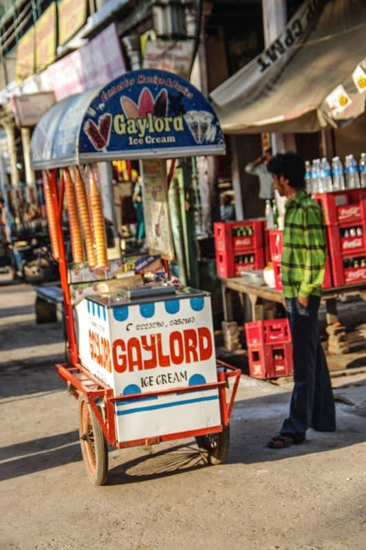 гейлорд мороженое Путеводитель по Варанеси Путеводитель по Варанеси – самому святому городу Индии IMGP0542