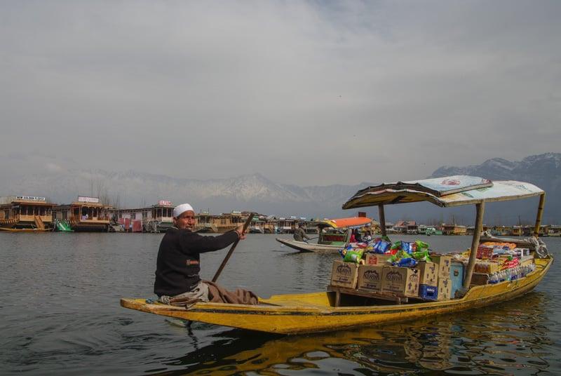 floating shops around Srinagar