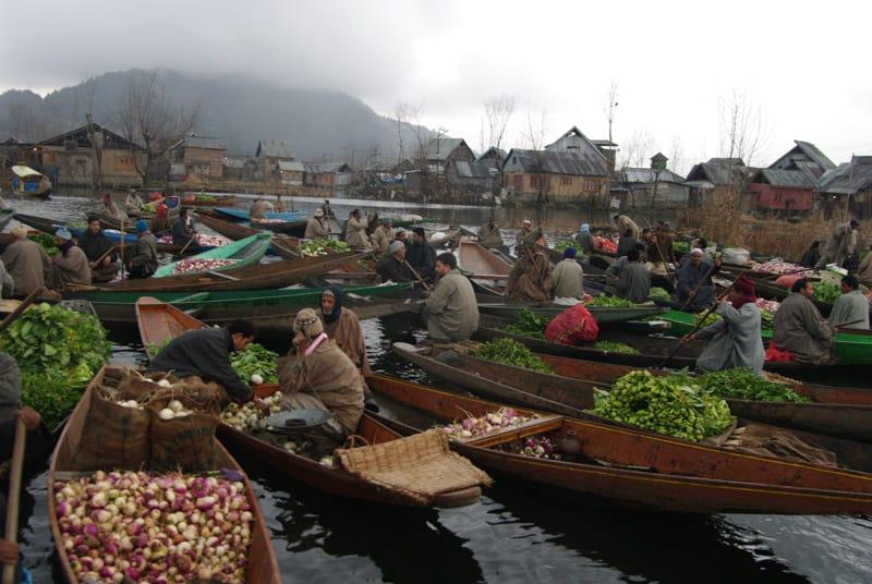 плавучий рынок Сринагар
