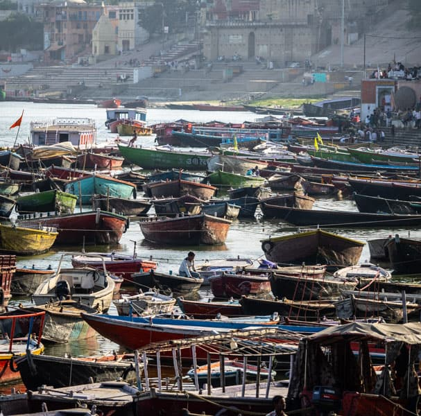 there´s no shortage in boats on the Ganges.