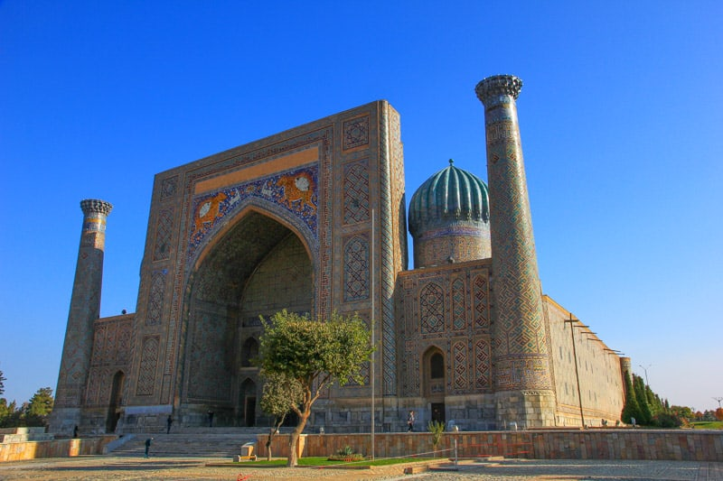 Регистан в Узбекистане путеводитель