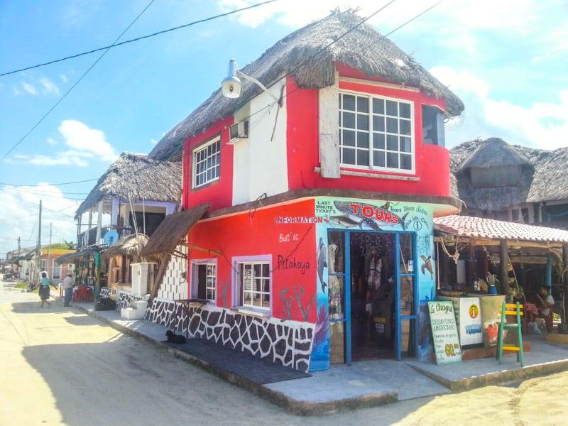 главная улица isla holbox