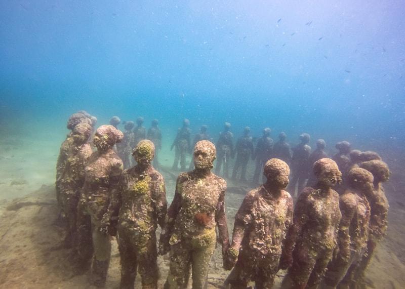 The world famous underwater sculpture park in Grenada гренада 10 лучших вещей, которые нужно сделать в Гренаде Underwater sculpture park The Dharma Trails