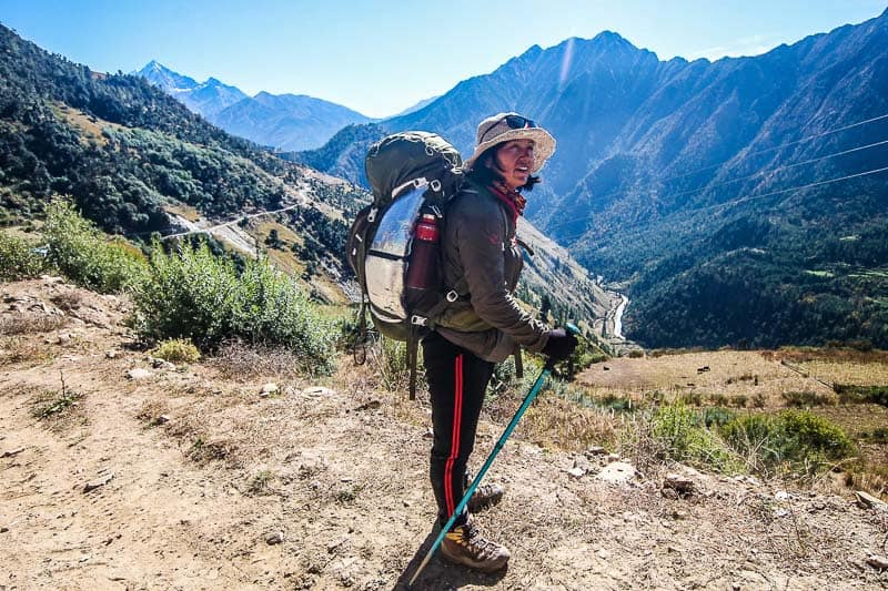 hiking guide nepal