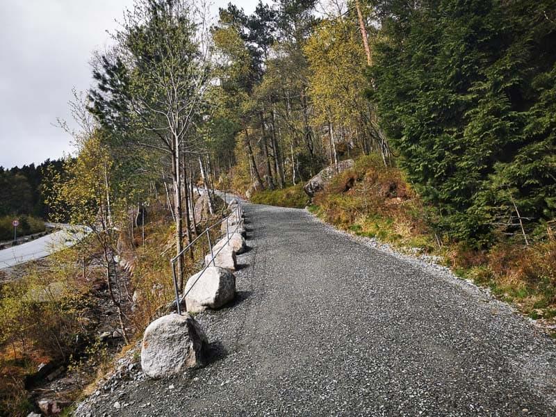 the preikestolen hike