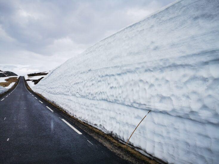 Road to lysebotn in norway snow road