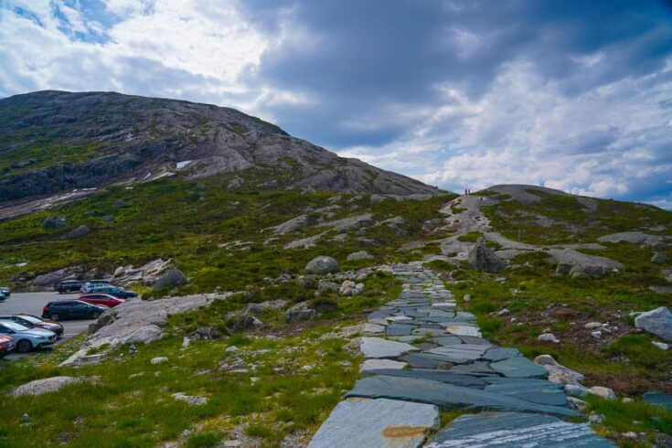 start of Kjeragbolten hike
