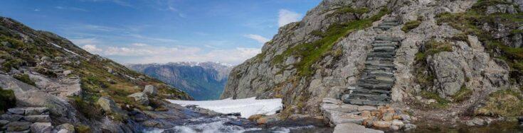 Kjeragbolten trail norway