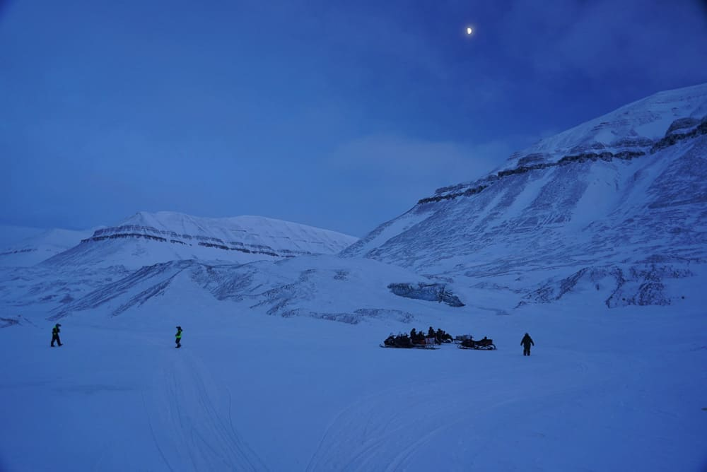 Svalbard snowmobile drive