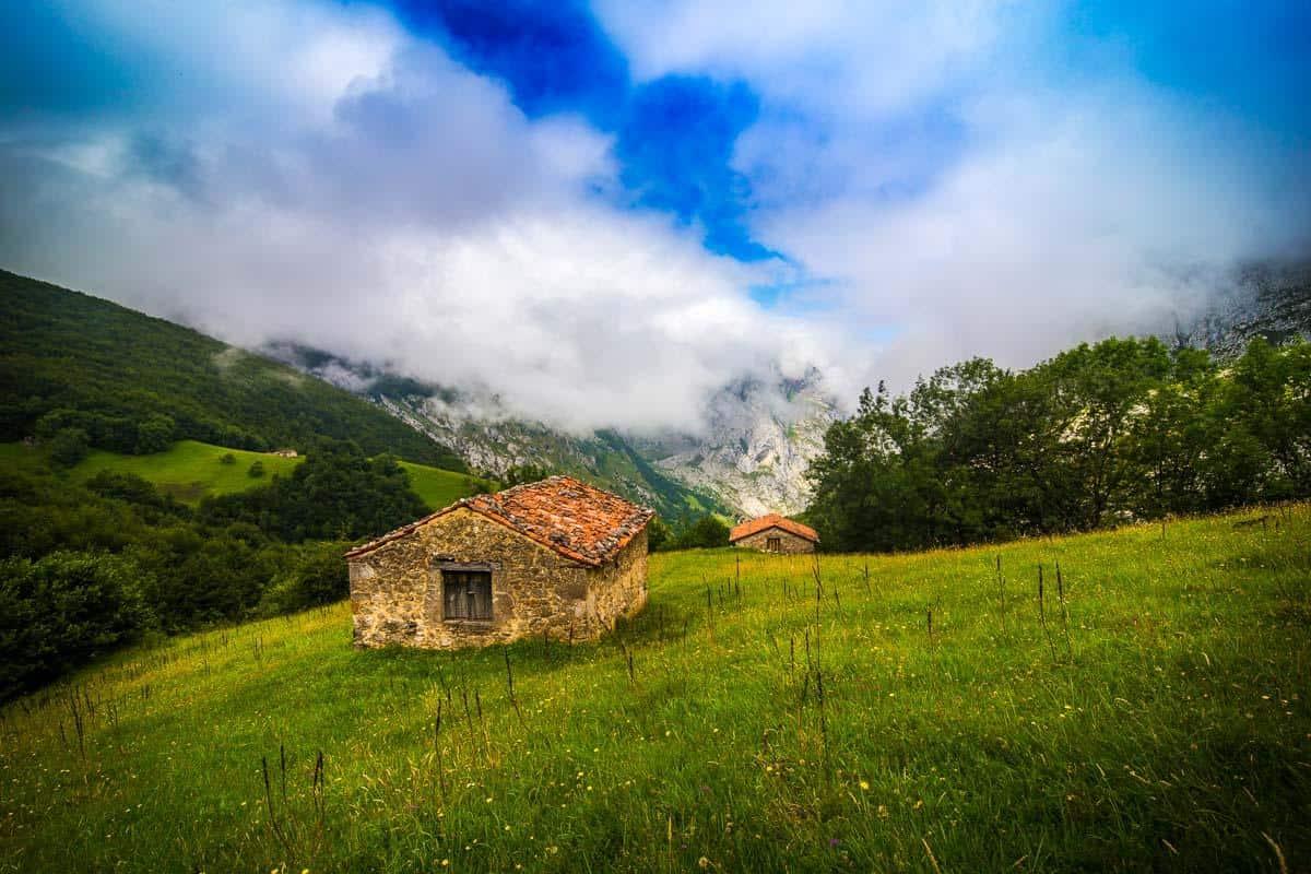 hike bulnes to sotres picos de europa