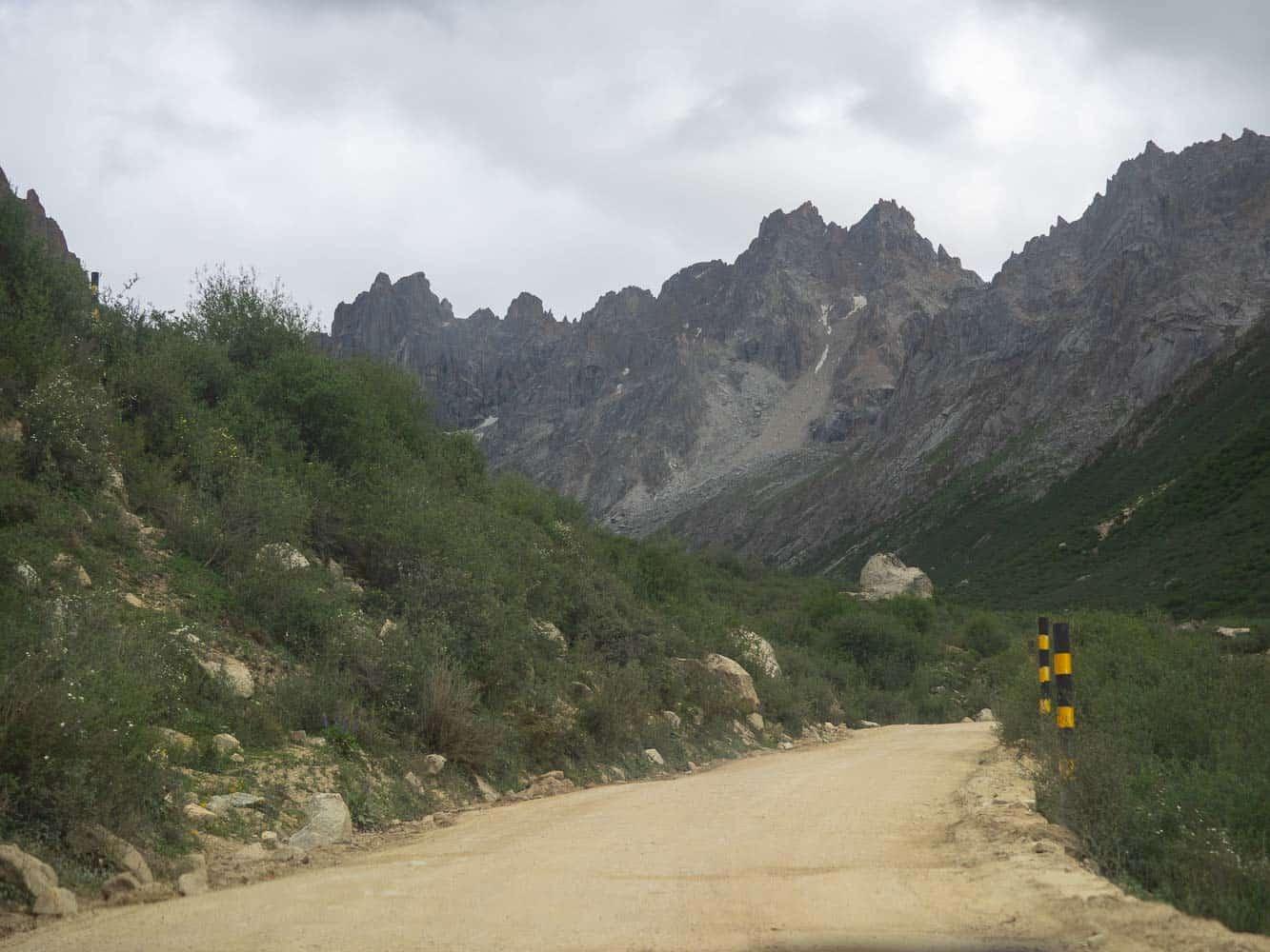 Tro-la Pass road Sichuan