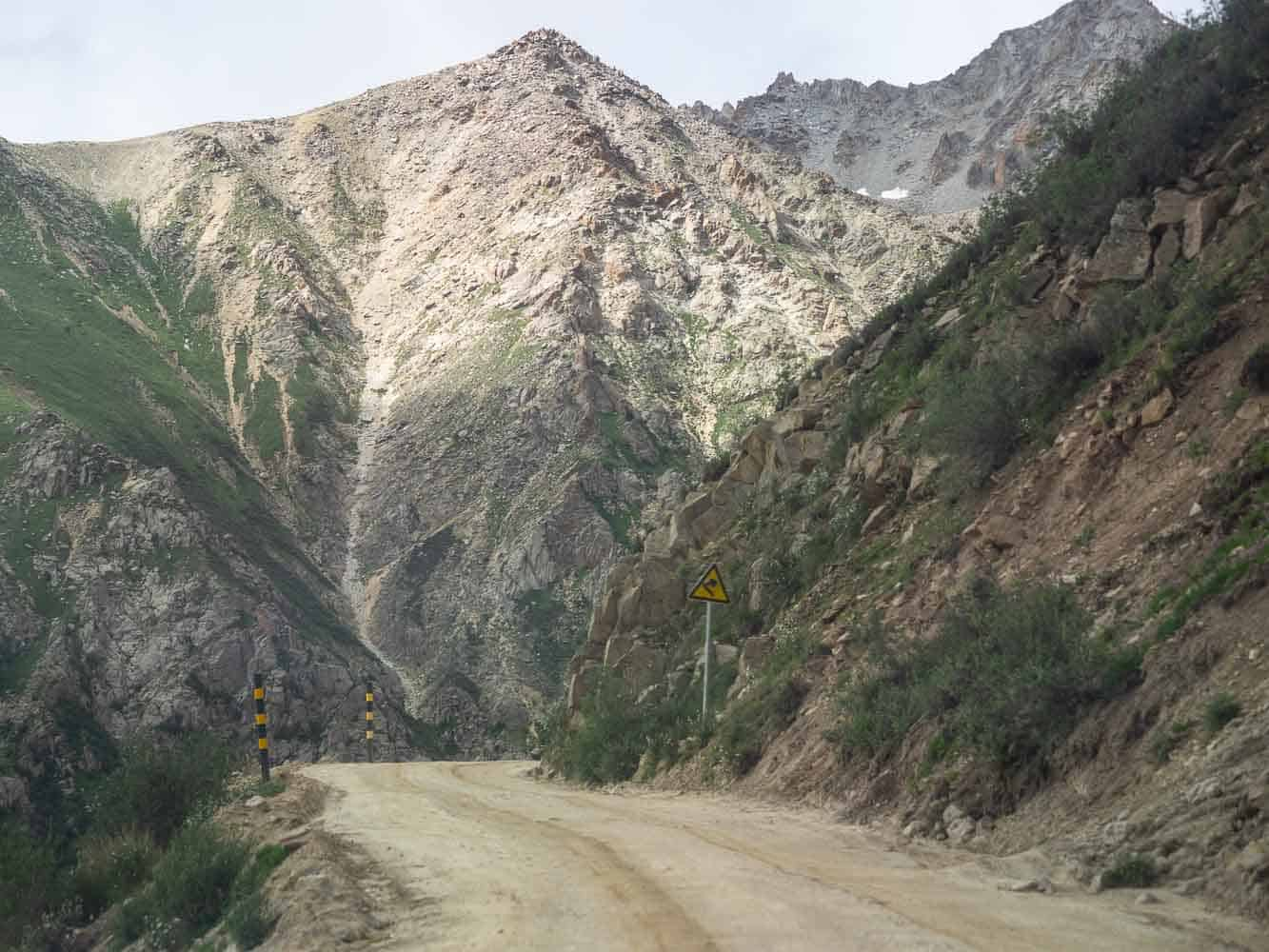 Tro-la Pass road