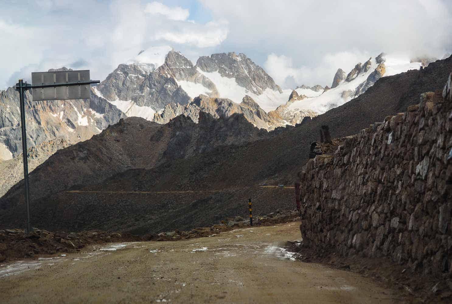 Tro-la Pass top sichuan
