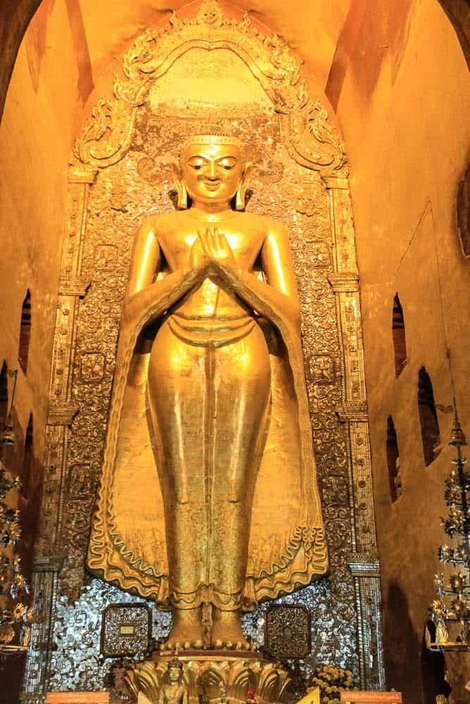 buddha statue Ananda tEMPLE