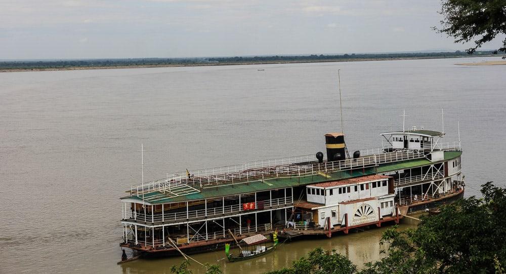 bagan boat river myanmar