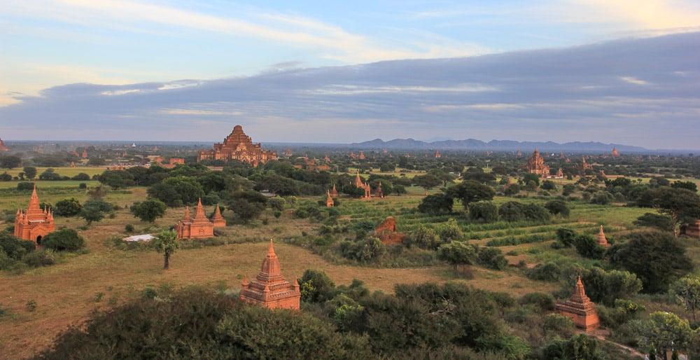 Dhammayangyi Pahto  in Bagan