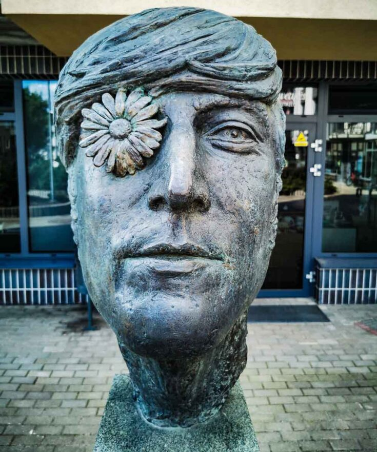 john lennon statue vilnius lithunia