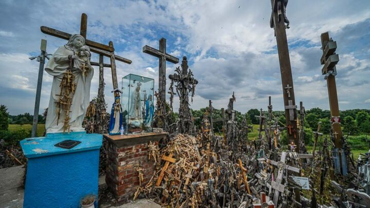Hill of Crosses statue of maria