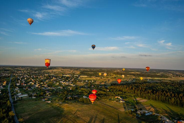 hot air balloon lithunia