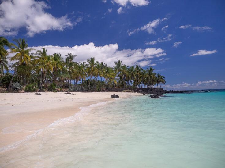 A fantastic beach in Grande Comore, the Mitsamiouli Beach cormos
